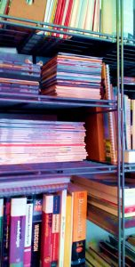boekenkast als metafoor voor zijbalk wordpress website